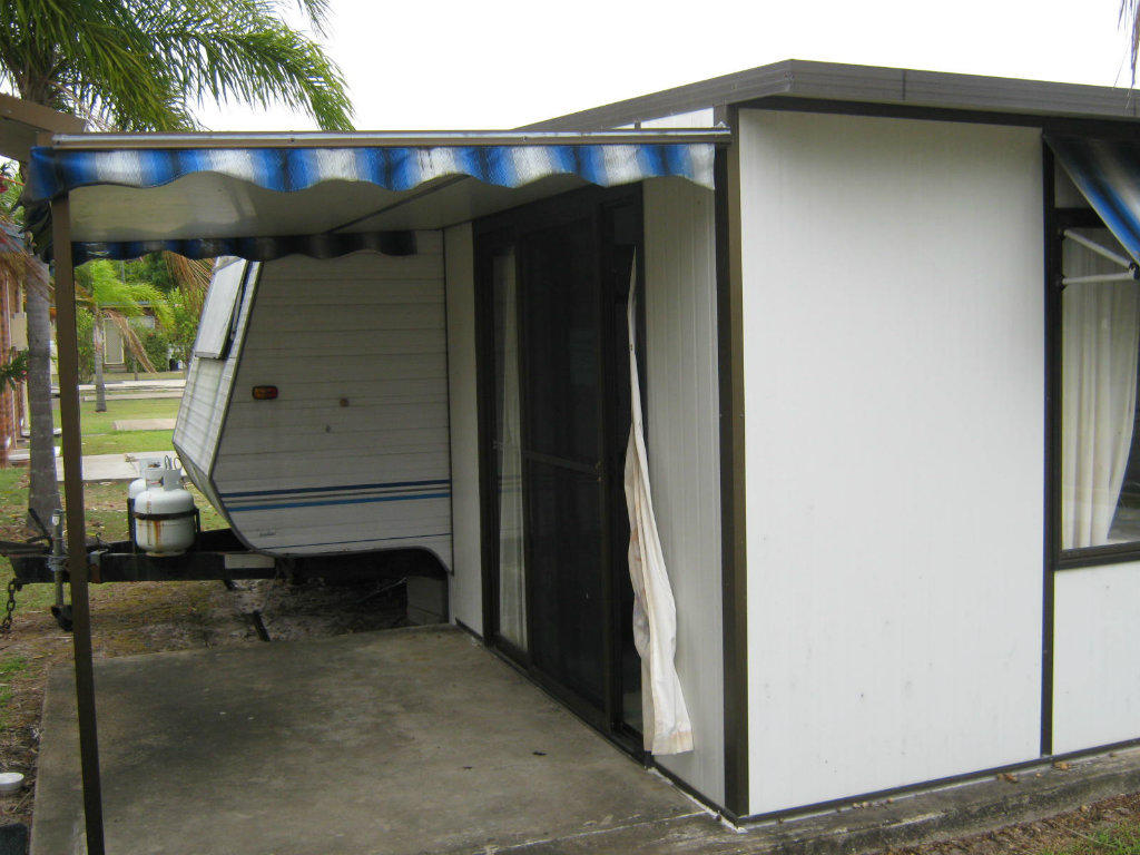 For Sale Caravan Annexe Permanent Structure Not Canvas