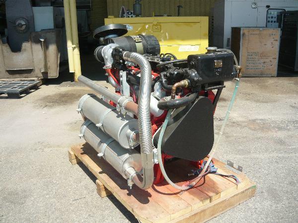 for sale detroit 80hp 4 cylinder turboed diesel engine. Black Bedroom Furniture Sets. Home Design Ideas
