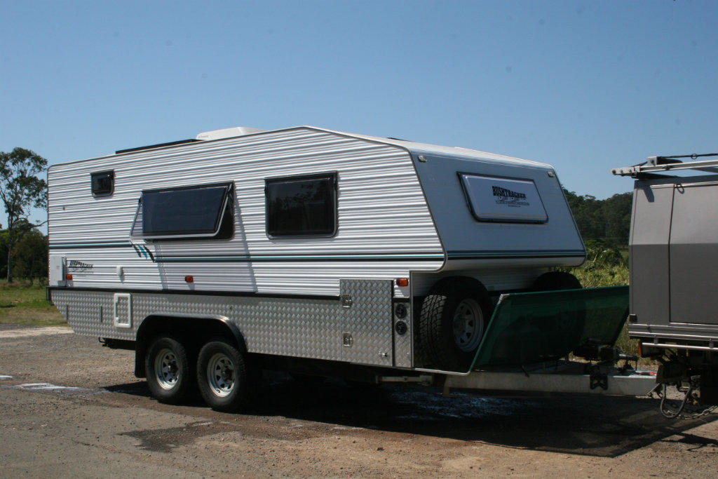Model Bushtracker Caravan 1939