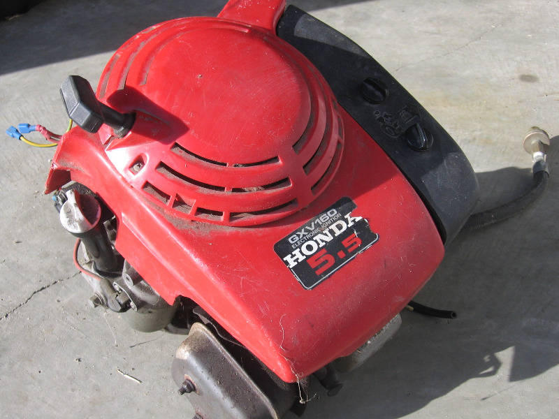FOR SALE: HONDA 5.5HP VERTICAL SHAFT ENGINE ON GAS
