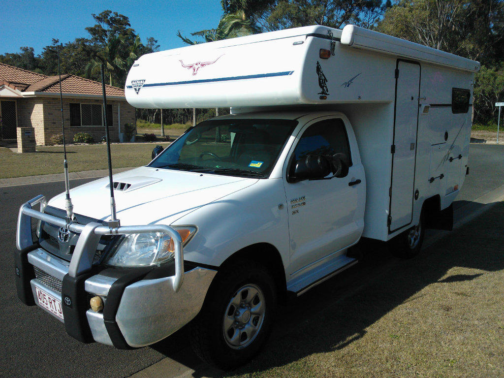 for sale toyota hilux 4x4 safari motorhome. Black Bedroom Furniture Sets. Home Design Ideas