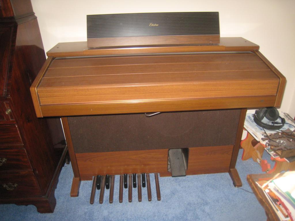 For Sale Yamaha Electone Fe 30 Electronic Organ