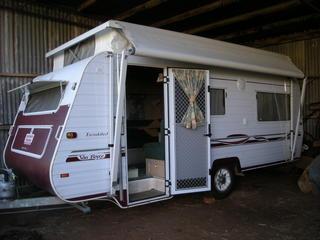 For Sale Caravan 2002 Royal Flair Van Royce Series 2