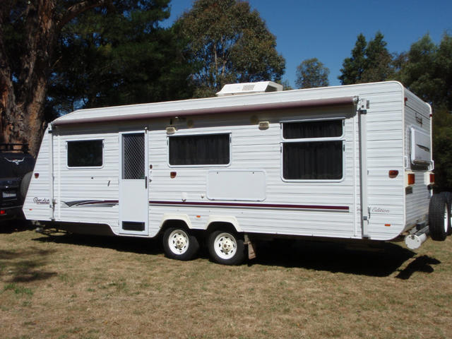for sale roadstar family van double bunks ensuite. Black Bedroom Furniture Sets. Home Design Ideas
