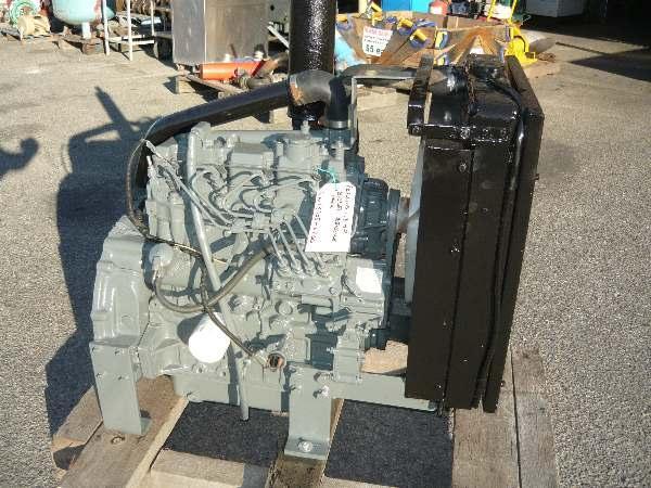 FOR SALE: PERKINS 100 SERIES 43HP 4 CYL DIESEL ENGING PACK